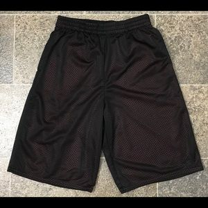 Boy's Sports Black & Red Shorts XL(14-16).